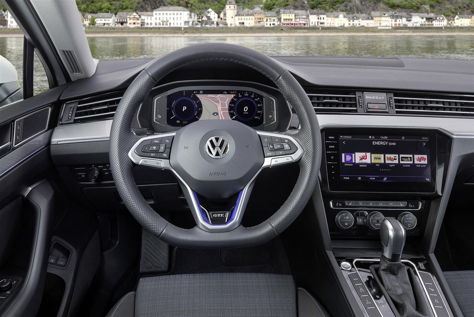 Nuova Passat GTE (06/2019)